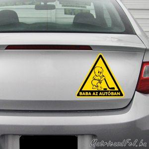 hokis baba az autóban matrica